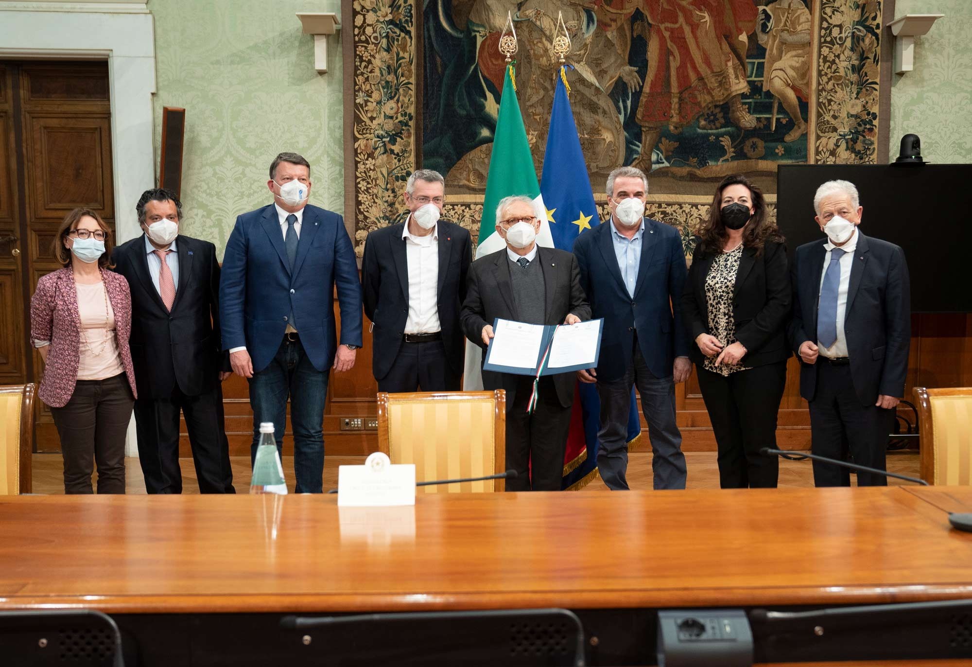 """Immagine di copertina di: Firmato a Palazzo Chigi il """"Patto per la scuola al centro del Paese"""""""